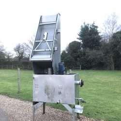 parabolic screen
